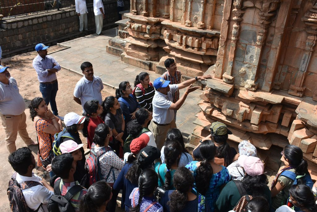 """Workshop on documentation of Chandramouleshwar Temple, Unkal, Hubli"""